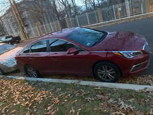 Hyundai sonata for Sale in Oxon Hill, MD