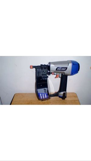 DUO FAST DF225C SIDING ,FECING,AND DECKING COIL NAILER for Sale in Caledonia, MI