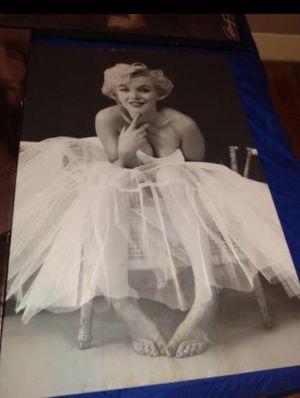 Marylin Monroe pics for Sale in Stockton, CA