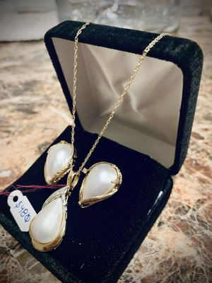 Gold, diamond, pearl , set for Sale in Beaverton, OR