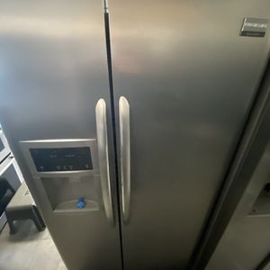 Stainless Steel Frigidare Side By Side For Only $800 for Sale in Huntington Beach, CA