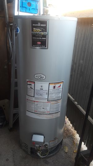 Water heater de gas natural 50 galones for Sale in Bakersfield, CA