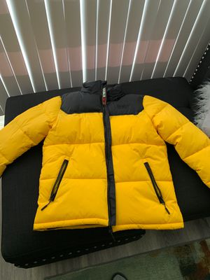 yellow bubble coat for Sale in Washington, DC