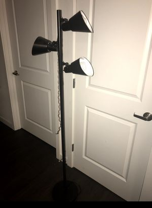 Black standing floor lamp for Sale in Seattle, WA