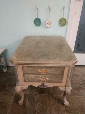 Newly custom painted Rose Gold End Table/Night Stand for Sale in Renton, WA