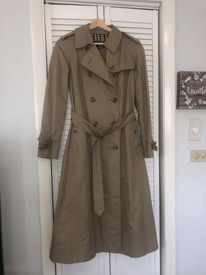 Burberry Autentic Long Coat for Sale in Miami, FL