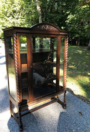 Antique china cabinet for Sale in Phoenix, MD