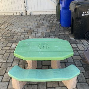Kids Picnic Table for Sale in South Gate, CA