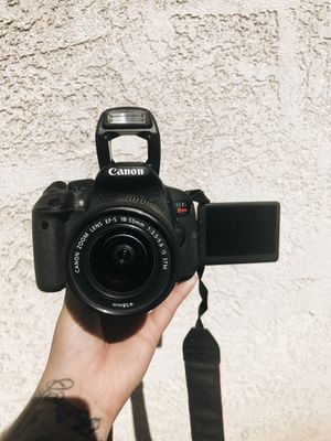 Canon Rebel EOS T5i for Sale in Huntington Park, CA