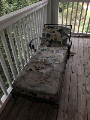 Free metal outdoor lounger/sun chair for Sale in Alpharetta, GA