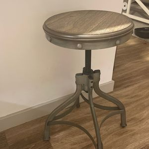 Rustic bar Stools for Sale in Sharon, MA