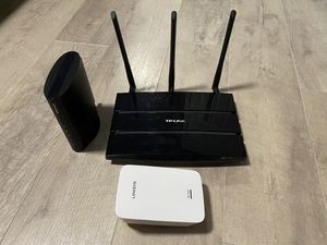 Cable modem, wifi router and wifi range extender for Sale in Parma, OH