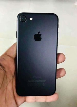 Iphone 7, 128GB Factory UNLOCKED...Perfect Condition..Like New. for Sale in Springfield, VA