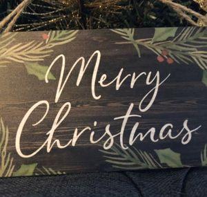Vintage Look Door Hanger Christmas Decor for Sale in Mentor, OH