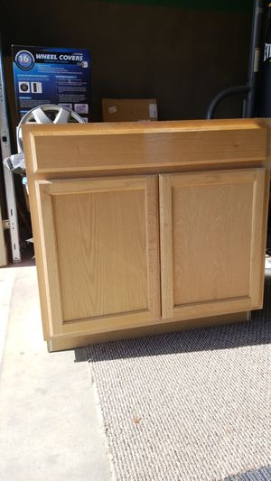 """Base cabinet 36"""" never used for Sale in Dinuba, CA"""