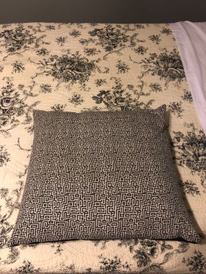 Set of 2 large bed pillow for Sale in Lexington, KY