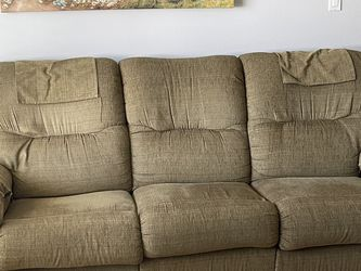 """Green Lazy Boy Couch 86"""" And Green Lazy Boy Loveseat 65"""" for Sale in Placentia,  CA"""