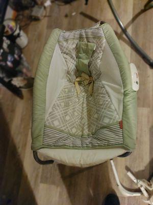 Baby swing/rocker for Sale in Godfrey, IL