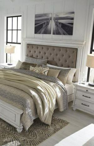 🆕Best Deal !! 🍃Black Friday Sale‼️[SPECIAL] Kanwyn Whitewash King Panel Bedroom Set for Sale in Columbia, MD