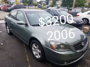 2006 Nissan Altima 4cyl runs and drives excellent only 99k for Sale in Salem, MA