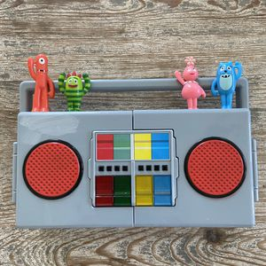 Yo Gabba Gabba Blue Box Musical Boombox Radio Lights Up Works Great Rare Retired for Sale in Seal Beach, CA