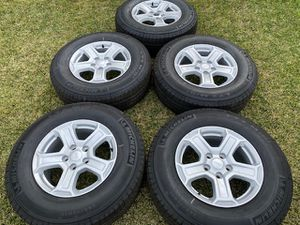 "(5) 17"" Jeep Wrangler Takeoffs + 245/75R17 Michelin LTX - $525 for Sale in Garden Grove, CA"