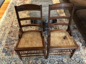 FREE pair of vintage chairs for Sale in East Aurora, NY