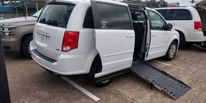 2019 Dodge Grand Caravan SXT Side Entry Wheelchair Van for Sale in Orlando, FL