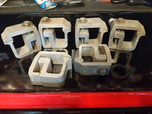Pickup truck camper shell clamps (6) for Sale in Aledo, TX