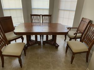 Wood kitchen/dining room table 6 chairs w/ extension for Sale in St. Cloud, FL