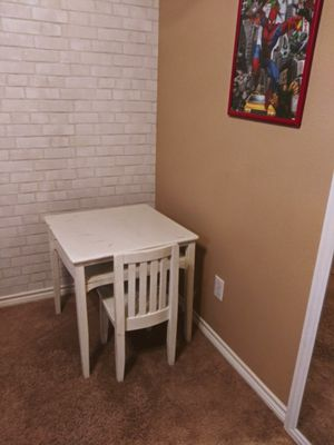 Kids table n chair for Sale in Fort Worth, TX
