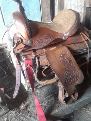 Leather saddle used once for barrels for Sale for sale  Tampa, FL