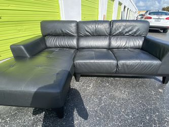 Cute Black Real Leather Sectional 🚚 Free Delivery 🚚 for Sale in Miami,  FL