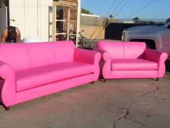 NEW PINK LEATHER COUCHES for Sale in Santa Monica,  CA