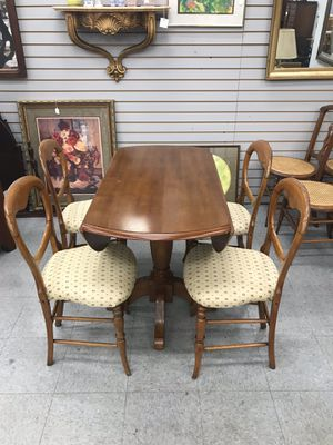 Drop Leaf Table and 4 Chairs for Sale in Fort Washington, MD