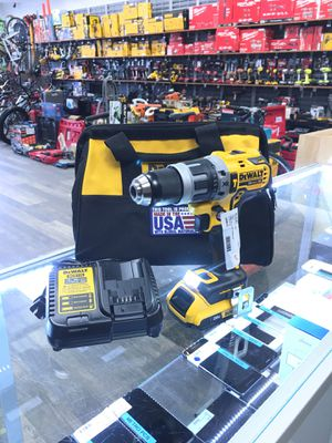 DEWALT 20V MAX XR 1/2 BRUSHLESS CORDLESS HAMMER DRILL DCD796 + BAT + CHARG + BAG for Sale in Lynn, MA