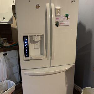 Appliances White RefrigeratorLG for Sale in Immokalee, FL