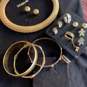 New Necklace, Bracelets, 4 Pairs of Earrings and 3 Rings for Sale in Hollywood, FL