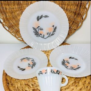 Vintage, 1969s, Made in Mexico Milk glass plate and cup. 3 plates end 1 cup Excellent condition for vintage antiquity. Please check the photos carefu for Sale in Milford, MA