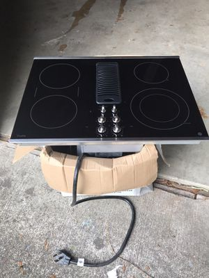 "Range 30"" Electric cooktop with 4 burners for Sale in Auburn, WA"