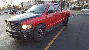 2004 dodge ram 1500 for Sale in Columbus, OH