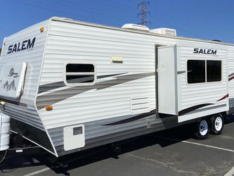 2010 Salem 26Ft Double Door W/Slide Excellent condition must see for Sale in Jurupa Valley,  CA