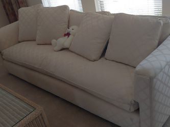 King Size Sleeper Sofa for Sale in Palm Harbor,  FL