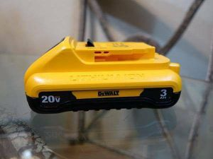 Dewalt 20V 3Ah Battery for Sale in Citrus Heights, CA