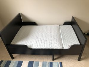 Extendable Twin Toddler Bed with Mattress for Sale in Mission Viejo, CA