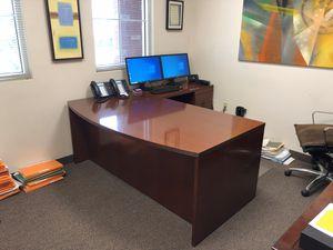Hardwood Corner Desk for Sale in Southwest Ranches, FL