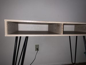 Computer / gaming desk or small table for Sale in Peoria, AZ