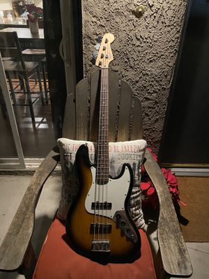 Squire electric bass guitar for Sale in Tustin, CA