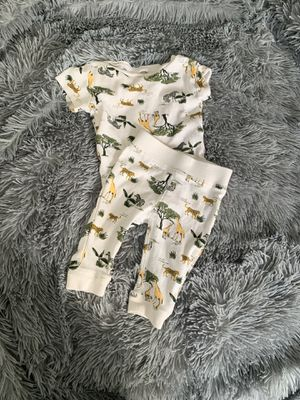 Old navy baby boy outfit 3/6m for Sale in Lynwood, CA