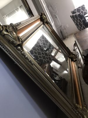 Big giant mirror /Big mirror/2 Night stand :Frsmes for Sale in Auburndale, FL